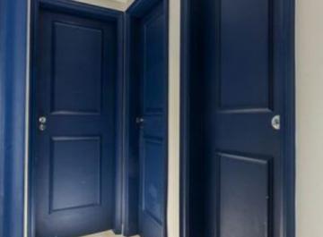 Уход за дверью с ПВХ покрытием